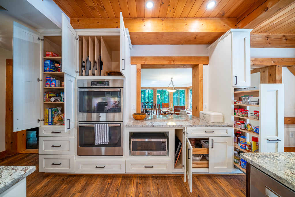 home remodeling, northern virginia remodeling, lake house kitchen, kitchen remodeling, kitchen renovation, dark hardwood floors, white cabinets